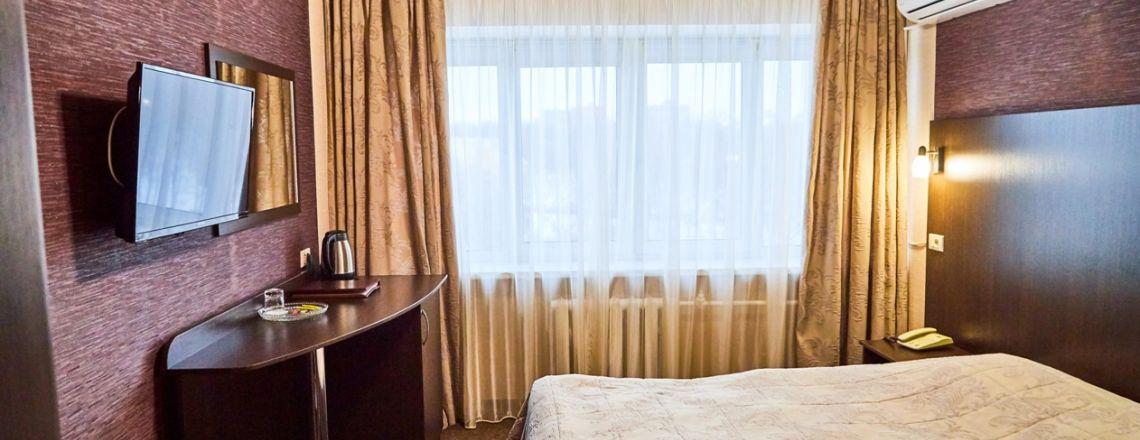 Номер в гостинице Одноместный улучшенный с 1,5-сп. кроватью (1 кат.)